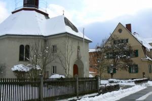 Foto Kirche und Pfarrhaus
